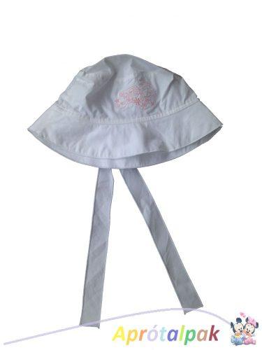 Hímzett fehér kalap 54-es