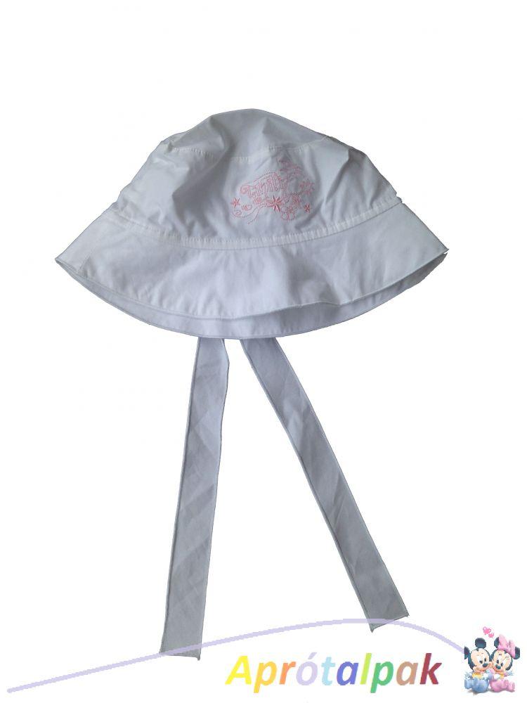 Hímzett fehér kalap 54-es - aprótalpak 82a729ccae